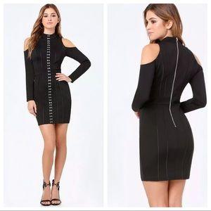 Bebe HOOK & EYE MOCK NECK COLD SHOULDER DRESS